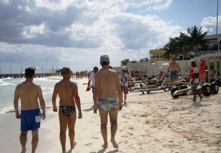De acuerdo con la Zofemat, debido a que las playas son bienes de la nación, los bañistas tienen derecho a disfrutar de ellas. (Octavio Martínez/SIPSE)