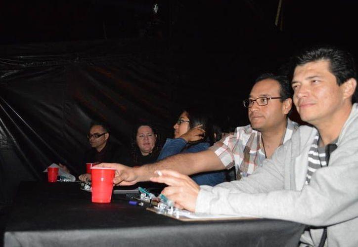 """Joselo Rangel (i), Jenifer Ramos, (a) """"La Nacha Rock"""" (c) con Cecilia Ricárdez, durante el evento de ayer. (Cortesía)"""