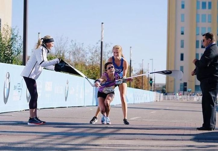 Al caer, Self fue ayudada por una estudiante de 17 años para quedarse con el primer puesto. (Foto: La Nueva)