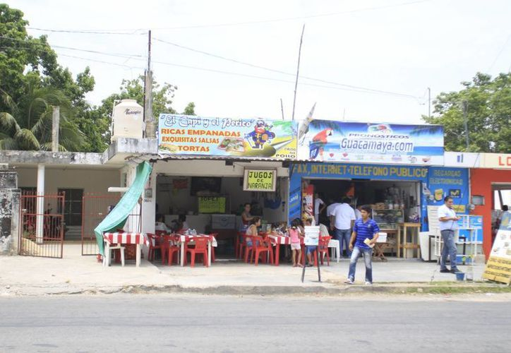Algunos comerciantes han expresado su molestia porque son sancionados sin ningún sustento. (Jorge Carrillo/SIPSE)