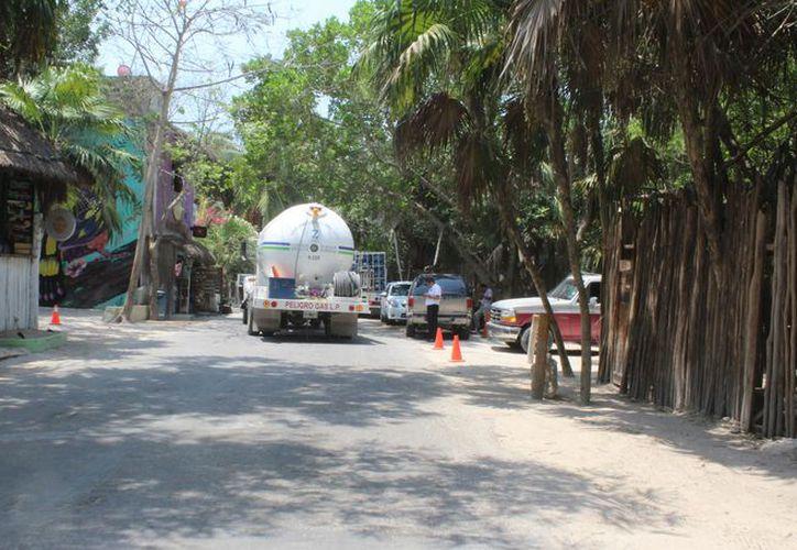 Solicitarán que mantengan la restricción con la finalidad de facilitar el tráfico sobre la Tulum-Boca Paila. (Sara Cauich/ SIPSE)