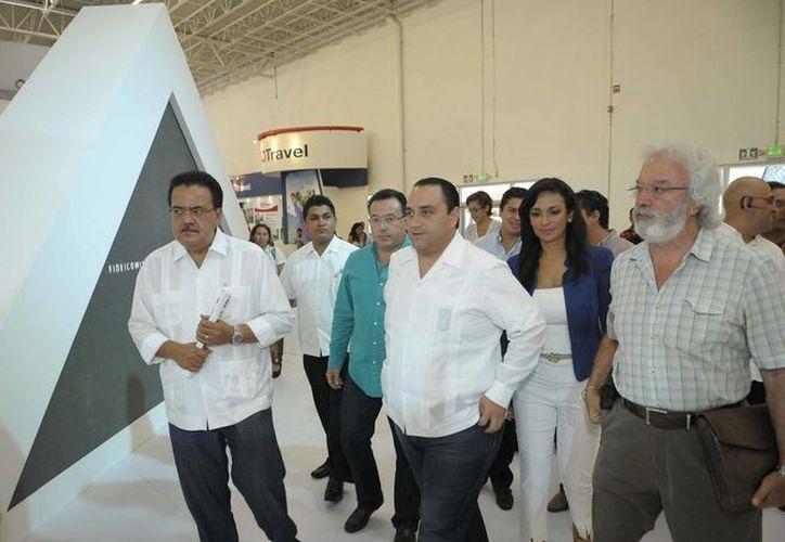 El gobernador, Roberto Borge Angulo, realizó un recorrido por las instalaciones en las que se realizará el Tianguis Turístico de México a partir de mañana.  (Redacción/SIPSE)