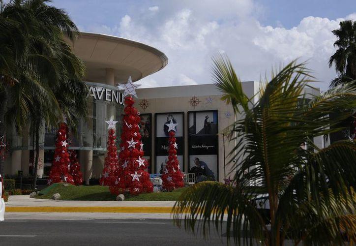 El espíritu de la Navidad ya se siente en Cancún. (Israel Leal/SIPSE)