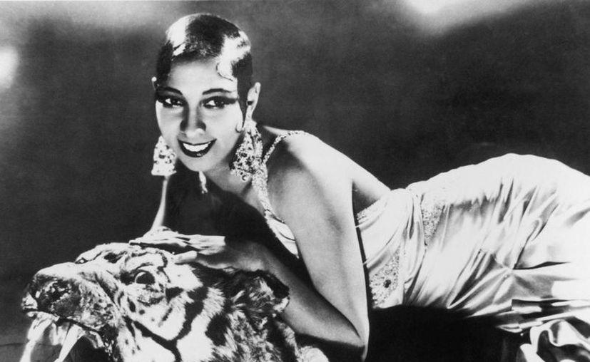 Joséphine Baker en una imagen clásica de la extinta bailarina, cantante y actriz estadunidense. (keijing.com)