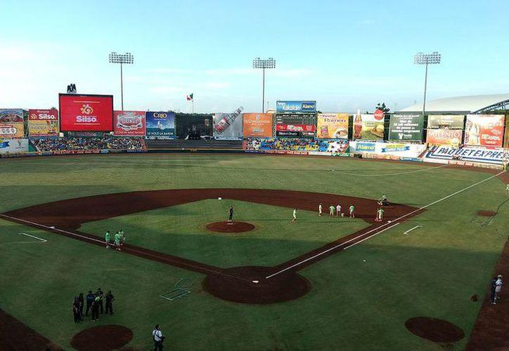 La directiva de Leones de Yucatán acudió a la Ciudad de México para la asamblea de dueños y presidentes de clubes de la Liga Mexicana de Béisbol. (SIPSE)