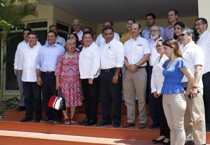 Durante la reunión se propuso a los aspirantes impulsar la vocación económica de Mérida y sus comisarías. (Fotos: José Acosta/Milenio Novedades)