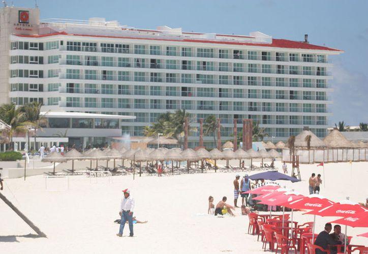 Los hoteles que responden a los comentarios en la web, tienen más posibilidades de lograr reservaciones. (Israel Leal/SIPSE)