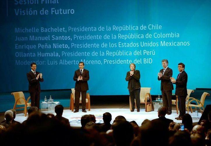 Imagen del encuentro entre los Presidentes de Chile, Colombia, Perú y México. (Facebook Enrique Peña Nieto)