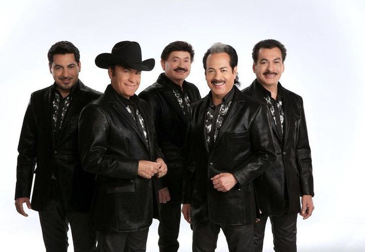Esta noche, Los Tigres del Norte dedicarán 120 minutos de sus mejores canciones para sus fans yucatecos. (Archivo)