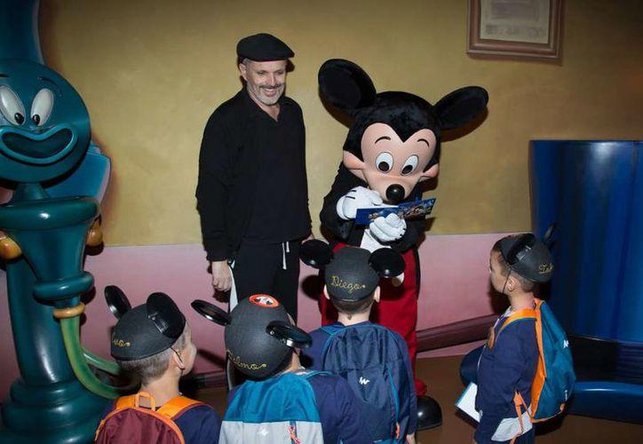 El cantante español solicitó que a pesar de esta revelación, espera que se siga conservando el respeto hacia su familia. (Contexto)