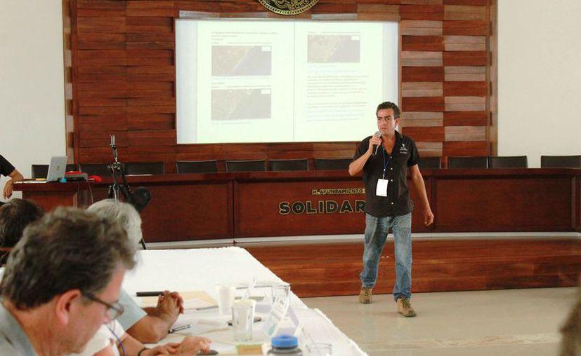 La serie de ponencias se llevan a cabo en el auditorio Leona Vicario. (Octavio Martínez/SIPSE)