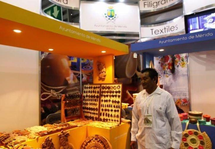 Empresas del ramo gastronómico, del calzado y artesanal participaron en la Semana de Yucatán en México. (SIPSE)