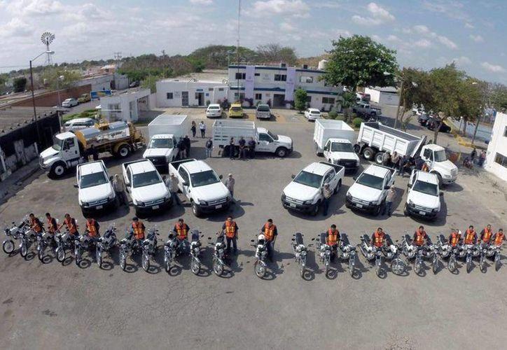 En el marco de la entrega de vehículos para  Obras Públicas y Servicios Públicos Municipales de Mérida, se dio a conocer que este año la Comuna invertirá 39 millones en equipo y vehículos para mejores obras y servicios. (Fotos cortesía del Ayuntamiento de Mérida)