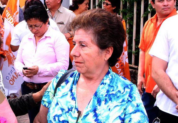 Ligia Canto Lugo pudo recuperar a sus nietos apenas a fines del mes pasado. Ahora trabajará con Ana Rosa Payán. (SIPSE)