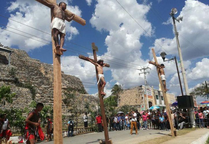 La crucifixión en Acanceh. (Foto de Patricia Itzá)