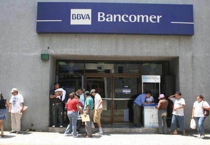 Este próximo lunes suspenderán sus operaciones al público la BMV, bancos, casas de bolsa, cajas de ahorro y préstamo. (Archivo/SIPSE)