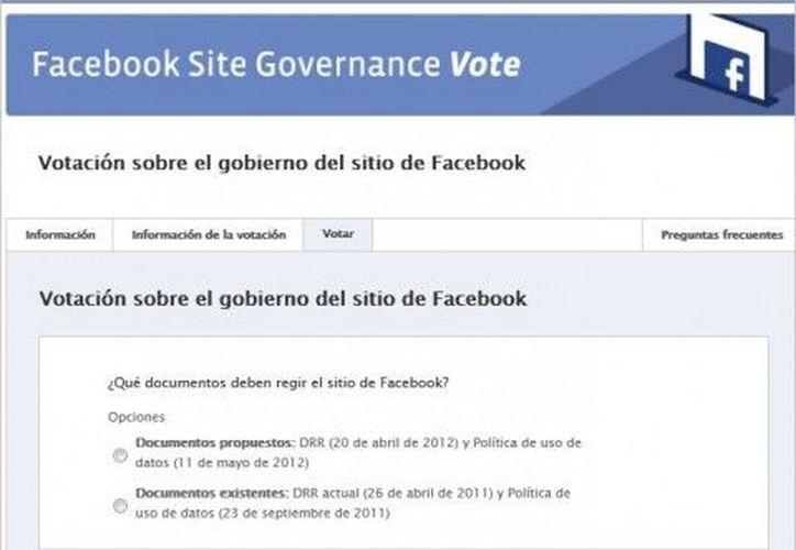 El 35 por ciento de los individuos con nivel licenciatura revisa las políticas de privacidad. (Facebook)