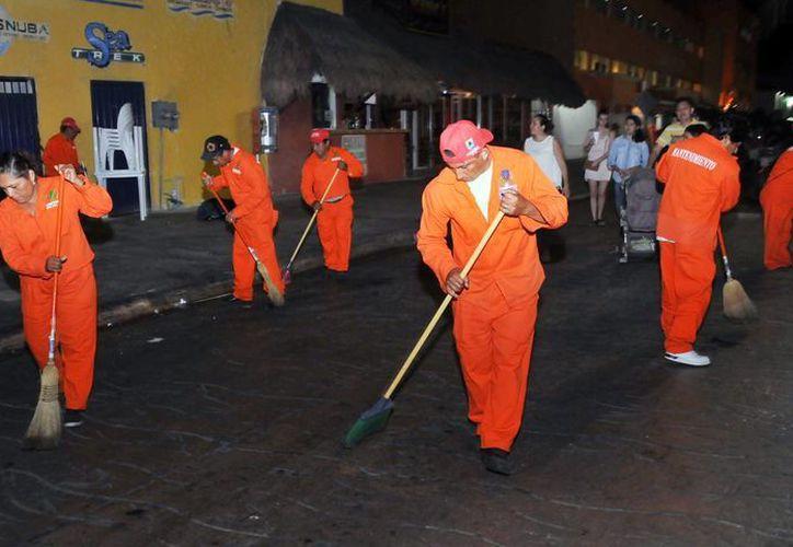 En las labores participaron tres cuadrillas de trabajadores. (Cortesía/SIPSE)