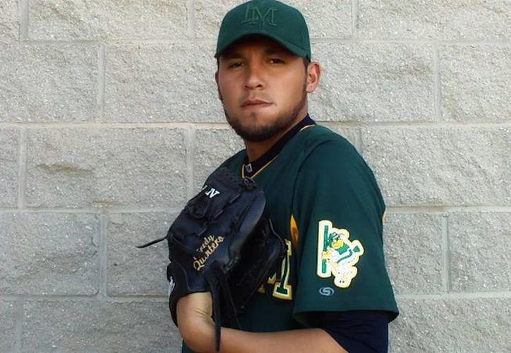 Los Leones de Yucatán anunciaron la llegada de Fredy Quintero, en un cambio donde Demetrio Gutiérrez y un novato (aún por designar) pasan a los Rieleros de Aguascalientes.- (SIPSE)