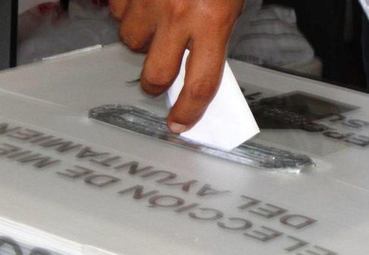 El INE pide a la ciudadanía romper con la apatía para participar en el proceso electoral. (Daniel Pacheco/SIPSE)