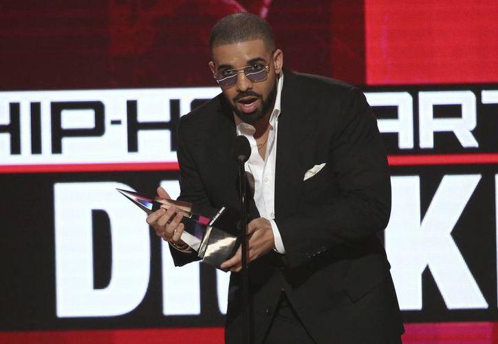 El rapero Drake tiene el álbum y la canción más reproducidas durante el año 2016, superando a Justin Bieber y Rihanna. (Matt Sayles/AP)