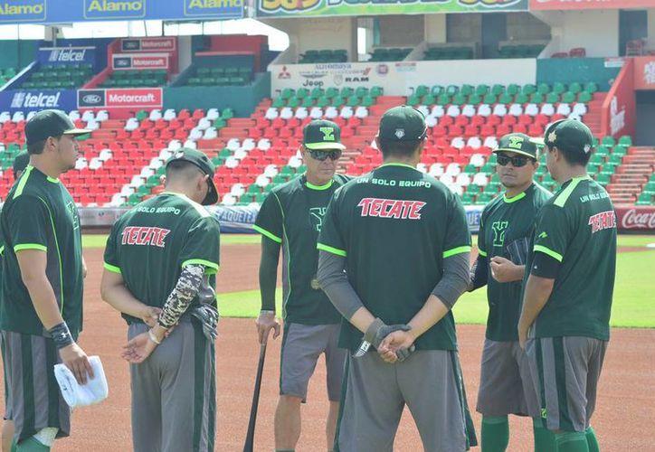 Leones de Yucatán inició ayer su pretemporada, y se anunció que una sucursal de las fieras participará en el Liga Peninsular de Beisbol. (Milenio Novedades)