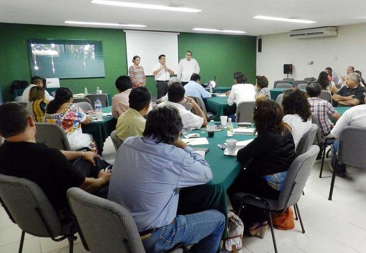 El curso del Inafed fue impartido a alcaldes de municipios yucatecos. (Milenio Novedades)