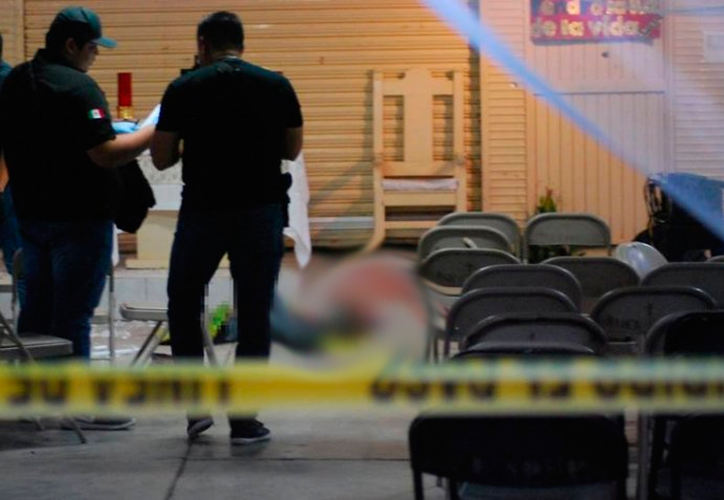 La víctima entró corriendo a la iglesia, donde se encontraba su familia. (Internet)
