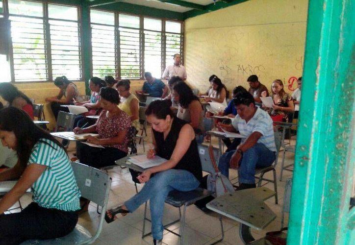 Los maestros presentaran el examen de asignación de plazas. 12 organizaciones civiles participaran como observadores. (Harold Alcocer/SIPSE)