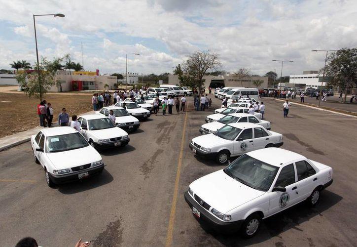 Nuevo parque vehicular con que cuenta la Fiscalía General de Yucatán. (Fotos: Milenio Novedades)