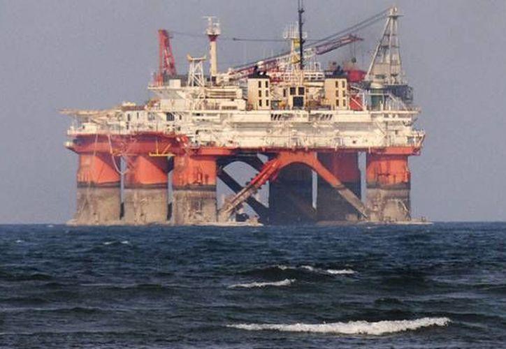 El titular de la Sener destacó que ENI será la primera compañía petrolera de gran escala que viene a invertir en México bajo el nuevo marco regulatorio. (Archivo/Reuters)