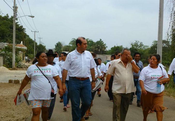 Felipe Cervera en campaña. (SIPSE)