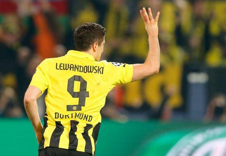 Lewandowski festeja su cuarto tanto del partido. (Foto: Agencias)