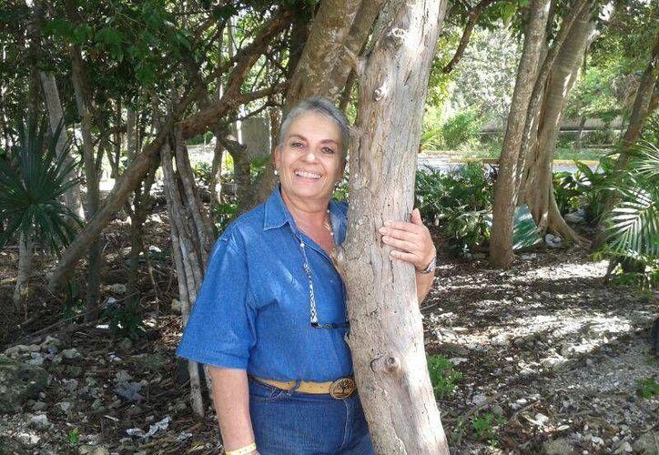 Rosa Elena Gómez de la Torre es una de las pocas arboristas certificadas de México. (Israel Leal/SIPSE)