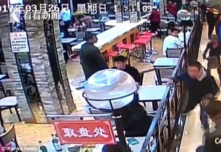 Xu apuñaló cuatro veces a comensal, el lesionado se encuentra hospitalizado (Foto: Kanka News)