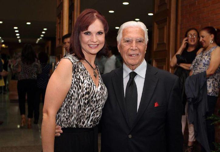 Gustavo Rojo se retira de la actuación. En la foto, con su hija y también actriz Ana Patricia. (Notimex)