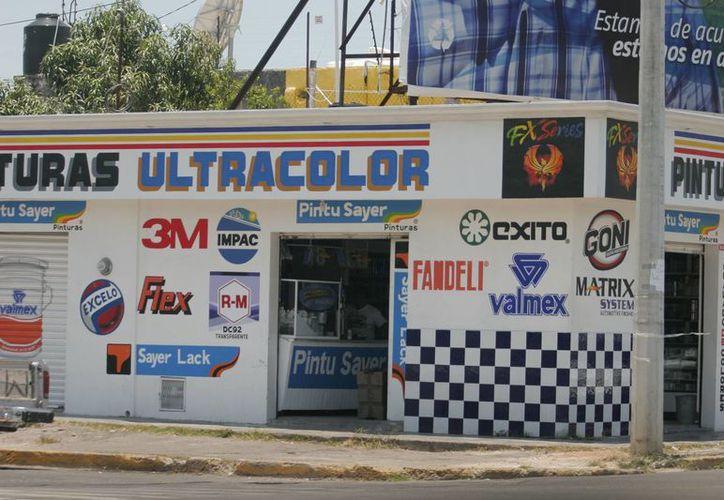 Las políticas gubernamentales castigan a la pequeña y mediana empresa, consideró Zapata Vales. (Harold Alcocer/SIPSE)