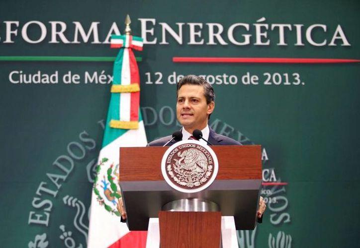 Enrique Peña Nieto afirmó que la iniciativa presentada  podría generar la inversión que se necesita y además niveles de crecimiento adicionales para la economía.         (presidencia.gob.mx)