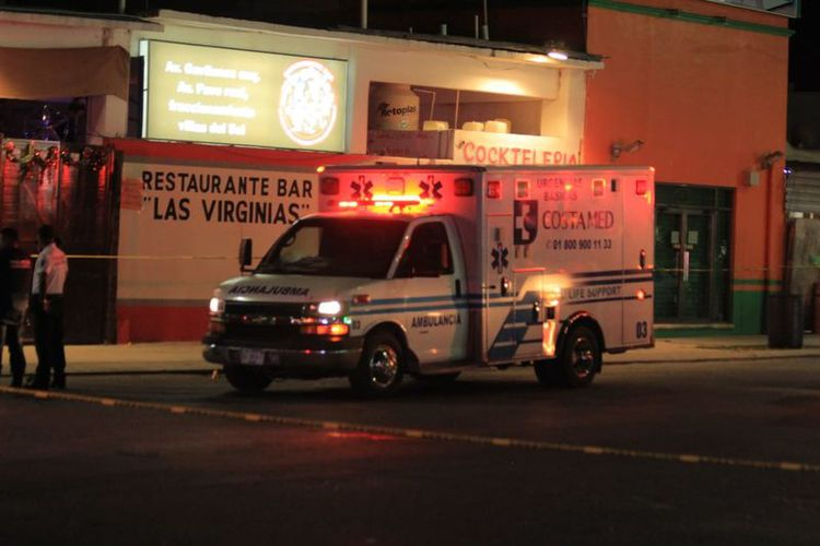 Seis personas fallecieron dentro del local una más en el Hospital General de Playa del Carmen