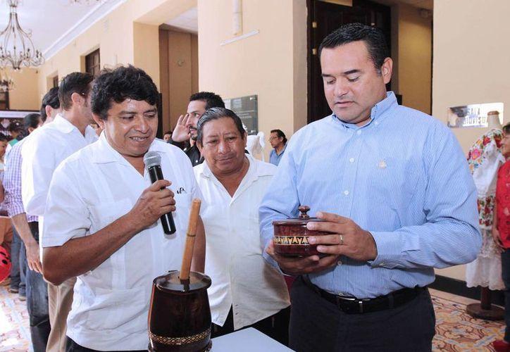 El alcalde Renán Barrera Concha en la presentación de la Feria Tunich 2014. (SIPSE)