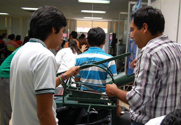 En el próximo periodo vacacional las credenciales de estudiantes serán válidas en los autobuses. (José Argüelles/SIPSE)