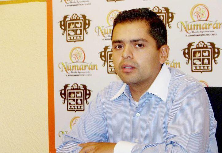 José Luis Madrigal, alcalde de Numarán, Michoacán, es acusado de tener vínculos con el crimen organizado. (lajornadamichoacan.com.mx)