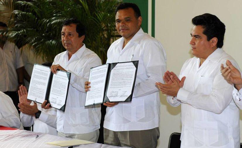 Una de las actividades que encabezó este martes el gobernador Rolando Zapata Bello. (SIPSE)