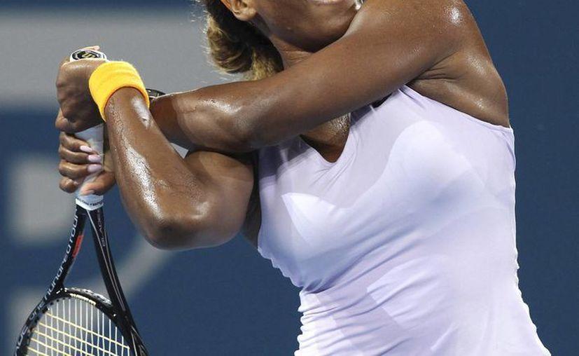 Serena tuvo menos eficacia en sus servicios que Sharapova y requirió de 1:43 horas para derrotarla. (Agencias)