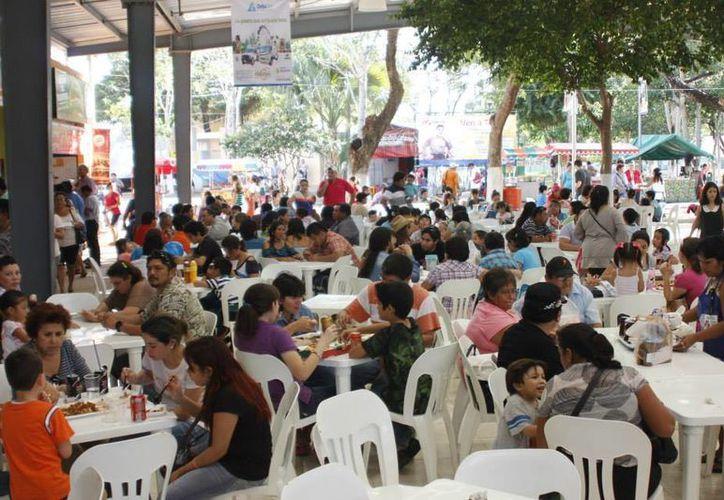 Canirac pide el apoyo al Ayuntamiento de Mérida que <i>abran la puerta</i> a la formalidad y otorguen permisos a los restauranteros. (Facebook)