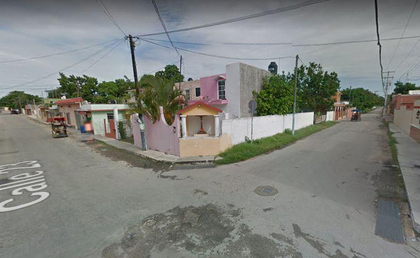 El sujeto fue imputado por los delitos de extorsión y posesión de mariguana, luego de ser detenido en estos cruces de Conkal (Google Maps)