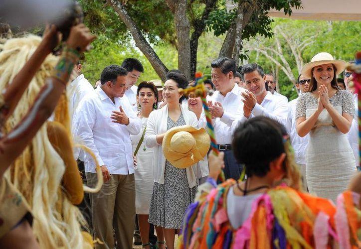 El gobernador Rolando Zapata Bello dio a las comitivas de China y México una muestra de la hospitalidad que caracteriza a los yucatecos. (Cortesía)