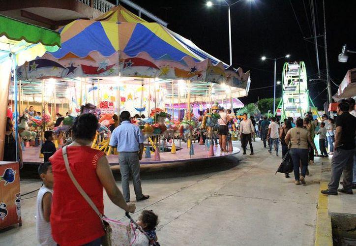 Los bailes serán gratuitos  para la población, con la finalidad de que tengan al posibilidad de divertirse sanamente. (Carlos Castillo/SIPSE)