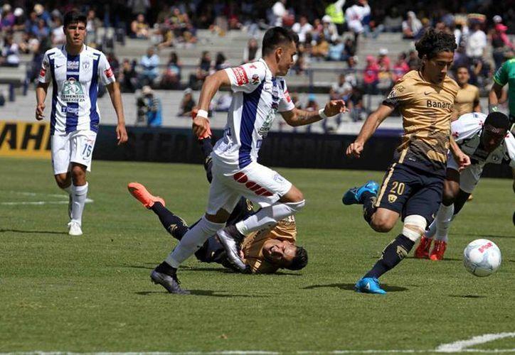 Los Pumas de la UNAM llegaron a su tercer partido sin victoria al empatar este domingo ante el Pachuca 1-1 en la jornada cinco de la Liga MX. (Imágenes Notimex)