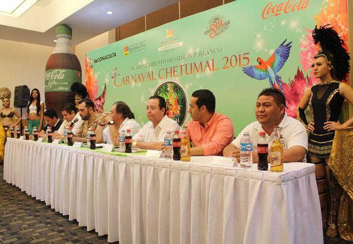 Una nueva actividad para el Carnaval de Chetumal 2015 será el recorrido en embarcaciones particulares en la Bahía. (Harold Alcocer/SIPSE)